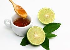 Μέλι και ασβέστης στο λευκό στοκ εικόνα με δικαίωμα ελεύθερης χρήσης