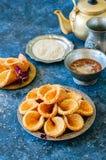 Μέλι και σουσάμι babouches - δημοφιλές αραβικό επιδόρπιο Αραβικά και στοκ εικόνα