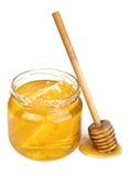 Μέλι στο βάζο που απομονώνεται στοκ φωτογραφίες με δικαίωμα ελεύθερης χρήσης