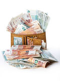 Μέντα των χρημάτων Πολύς ρωσικά ρούβλια στο πορτοφόλι απομονωμένο αντικείμενο στο λευκό Στοκ φωτογραφία με δικαίωμα ελεύθερης χρήσης