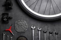 Μέρη ποδηλάτων και εργαλεία επισκευής Στοκ Εικόνα