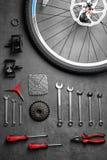Μέρη ποδηλάτων και εργαλεία επισκευής Στοκ φωτογραφία με δικαίωμα ελεύθερης χρήσης