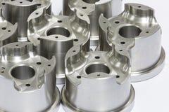 Μέρη φορμών και κύβων που επεξεργάζονται στη μηχανή από CNC Στοκ φωτογραφία με δικαίωμα ελεύθερης χρήσης