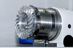 Μέρη χάλυβα για τα βιομηχανικά μηχανήματα γύρω από τη μορφή Στοκ Εικόνα