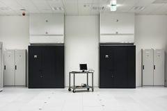 Μέρος ενός σύγχρονου κέντρου δεδομένων στοκ εικόνες με δικαίωμα ελεύθερης χρήσης