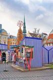 Μέρος της αγοράς Χριστουγέννων στην πλατεία Livu στη Ρήγα Στοκ Φωτογραφίες
