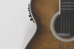 Μέρος της ακουστικής κιθάρας στοκ εικόνες