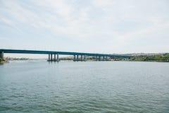 Μέρος της γέφυρας στη Ιστανμπούλ που συνδέει το ασιατικό μέρος με το ευρωπαϊκό μέρος της πόλης Στοκ Εικόνες