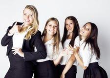 Μέρος της ευτυχούς επιτυχίας εορτασμού χαμόγελου επιχειρηματιών της νίκης ομάδων στην εργασία, γραπτός ανώτερος υπάλληλος κώδικα  Στοκ Φωτογραφίες