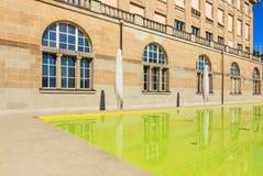 Μέρος της πρόσοψης του κεντρικού κτιρίου του πανεπιστημίου Zur Στοκ εικόνες με δικαίωμα ελεύθερης χρήσης