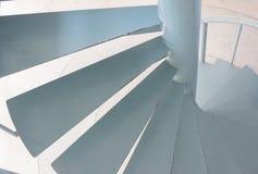 Μέρος της σύγχρονης σπειροειδούς σκάλας, πολυτελές εσωτερικό στοκ φωτογραφίες