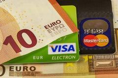 Μέρος της Visa τραπεζικών καρτών και της κύριας κάρτας και μέρη του ευρο- BA Στοκ φωτογραφία με δικαίωμα ελεύθερης χρήσης
