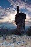Μέρος του κάστρου καταστροφών λαμβάνοντας υπόψη το ηλιοβασίλεμα Στοκ φωτογραφία με δικαίωμα ελεύθερης χρήσης