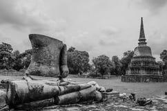 Μέρος του σπασμένου αγάλματος του Βούδα Στοκ Εικόνες