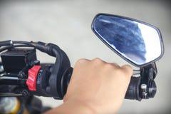 Μέρος του σώματος μοτοσικλετών, αθλητισμός μηχανών ταχύτητας, μεγάλο ποδήλατο Στοκ εικόνα με δικαίωμα ελεύθερης χρήσης