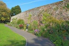 Μέρος του τοίχου πόλεων σε Northernhay καλλιεργεί, Έξετερ, Devon, UK Στοκ φωτογραφία με δικαίωμα ελεύθερης χρήσης