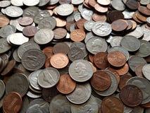 μέρος των νομισμάτων πενών δολαρίων στις διαφορετικές μετονομασίες, το υπόβαθρο και τη σύσταση στοκ φωτογραφίες με δικαίωμα ελεύθερης χρήσης