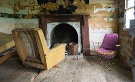 Μέσα σε μια εγκαταλειμμένη καμπίνα κοντά στη λίμνη Te Anau, Foirdland Στοκ Εικόνα