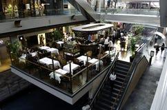 Μέσα στη λεωφόρο Σιγκαπούρη αγορών κόλπων μαρινών Στοκ φωτογραφίες με δικαίωμα ελεύθερης χρήσης