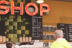 Μέσα στον καφέ Στοκ Φωτογραφίες