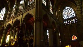 Μέσα στο διάσημο νέο θόλο καθεδρικών ναών στο Λιντς, Άνω Αυστρία σε ένα θερμό και ηλιόλουστο πρωί την άνοιξη απόθεμα βίντεο