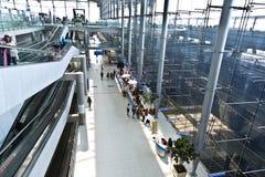 Μέσα στο διεθνή αερολιμένα Suvarnabhumi Στοκ φωτογραφία με δικαίωμα ελεύθερης χρήσης