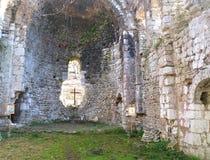 Μέσα στο μεσαιωνικό ναό Mussera, Αμπχαζία Στοκ Φωτογραφίες