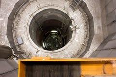 Μέσα στο δοχείο πίεσης αντιδραστήρων πυρηνικού Powe στοκ εικόνες