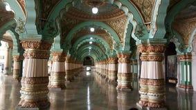 Μέσα στο παλάτι του Mysore στοκ εικόνες