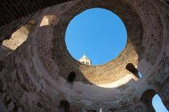 Μέσα στο παλάτι Diocletian, στη διάσπαση, Κροατία Στοκ Εικόνες
