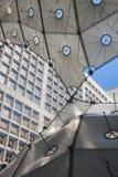 Μέσα στο Grande Arche Στοκ φωτογραφία με δικαίωμα ελεύθερης χρήσης