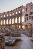 Μέσα του αρχαίου ρωμαϊκού αμφιθεάτρου Pula, Κροατία Στοκ Φωτογραφίες