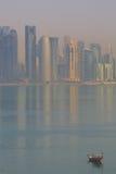 Μέση Ανατολή, Κατάρ, Doha, κεντρική οικονομική περιοχή δυτικών κόλπων από την περιοχή ανατολικών κόλπων Στοκ φωτογραφία με δικαίωμα ελεύθερης χρήσης