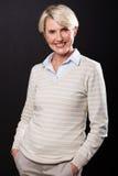 Μέση γυναίκα ηλικίας στο Μαύρο Στοκ Εικόνες