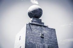 Μέση του παγκόσμιου μνημείου στον Ισημερινό Στοκ φωτογραφία με δικαίωμα ελεύθερης χρήσης