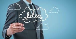 Μέσο τμήμα επιχειρησιακών ατόμων με τη συσκευή γυαλιού και την άσπρη ιδέα doodle στο μπλε κλίμα στοκ φωτογραφία
