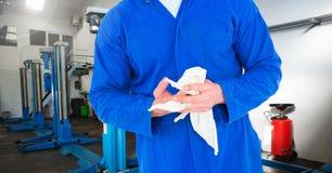 Μέσο τμήμα της μηχανικής πετσέτας εκμετάλλευσης στοκ εικόνα