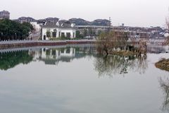 Μέσο φάσμα φραγμός-Qingyun Στοκ Φωτογραφίες