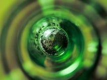Μέσω της τοπ άποψης μπουκαλιών μπύρας Στοκ Εικόνα