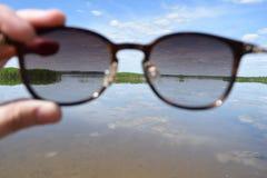 Μέσω των γυαλιών Στοκ Εικόνες