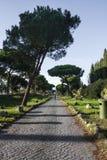 Μέσω Appia Antica, ο παλαιός δρόμος χτίζει από τους αρχαίους Ρωμαίους Στοκ εικόνα με δικαίωμα ελεύθερης χρήσης