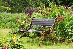 μέταλλο κήπων εδρών Στοκ Εικόνες