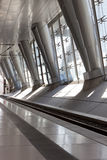 μέταλλο στηλών αρχιτεκτ&omicro Στοκ φωτογραφία με δικαίωμα ελεύθερης χρήσης