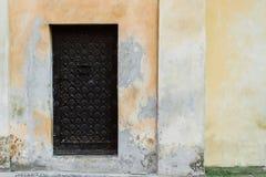 μέταλλο πορτών παλαιό Στοκ εικόνες με δικαίωμα ελεύθερης χρήσης