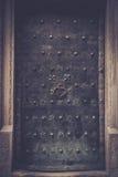 μέταλλο πορτών παλαιό Στοκ εικόνα με δικαίωμα ελεύθερης χρήσης