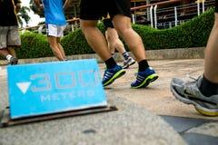300 μέτρα μπλε τρέχοντας σημαδιών Στοκ Εικόνα