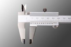 μέτρηση του μικρόμετρου στοκ εικόνα με δικαίωμα ελεύθερης χρήσης