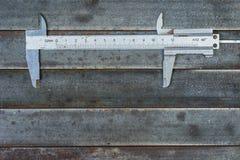 Μέτρηση των εργαλείων, υπόβαθρο μετάλλων Ανασκόπηση, σύσταση Στοκ Φωτογραφίες