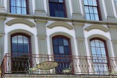 Μέτωπο οικοδόμησης μπαλκονιών Patio Στοκ εικόνες με δικαίωμα ελεύθερης χρήσης