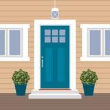 Μέτωπο πορτών σπιτιών με το κατώφλι και το χαλί, βήματα, παράθυρο, λαμπτήρας, λουλούδια, πρόσοψη εισόδων οικοδόμησης, εξωτερική α ελεύθερη απεικόνιση δικαιώματος